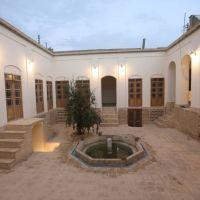 خانه تاریخی با قدمت قاجار بازسازی شده مناسب هتل یا گالری